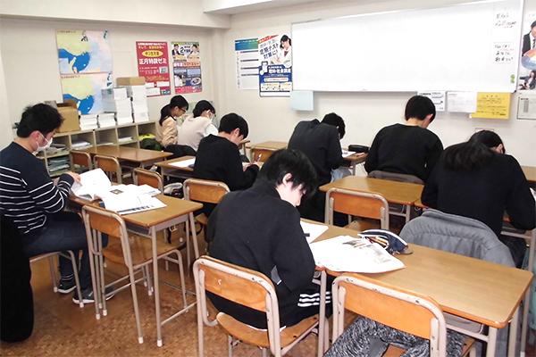 クラス指導教室です。大小合わせて3教室あります。