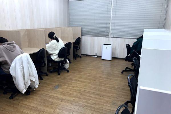 「高校生の自習室です」